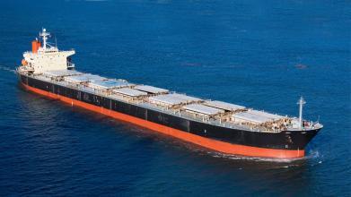 在把货送到码头前就购买非洲海运保险,确定开船时间后,确认出保单